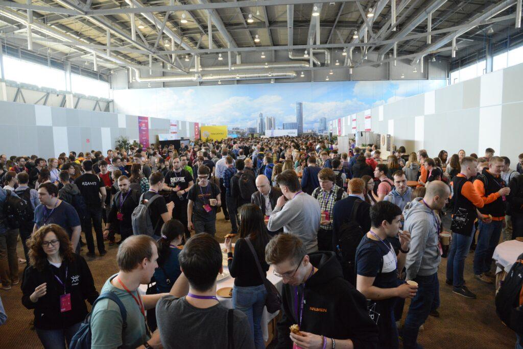 Игровое мероприятий Антимузея компьютеров и игр на выставке Dump